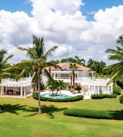 Beautiful Villa 6 BR with Golf Course view in exclusive community Puntacana Resort & Club
