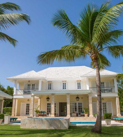 Gorgeous Colonial Villa 4 BR with excellent location in Hacienda, Puntacana Resort & Club